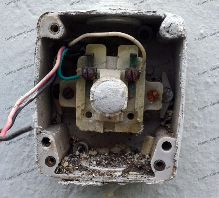 Bricovid o forum lectricit probl me de bouton poussoir for Bouton de sonnette exterieur legrand