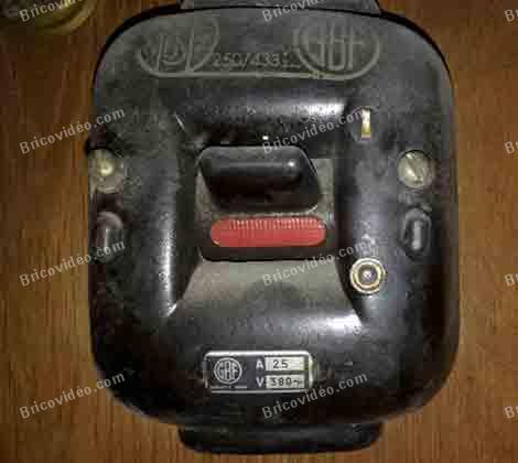 ancien interrupteur des années 50 GBF