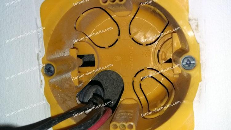 boîtier d'encastrement branchement thermostat