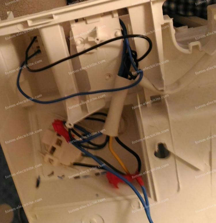 branchements ancienne armoire toilette