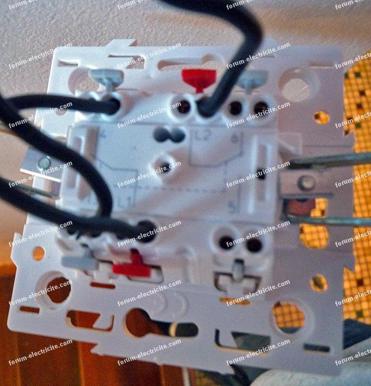 forum entraide bricolage lectricit probl me branchement fils interrupteurs. Black Bedroom Furniture Sets. Home Design Ideas