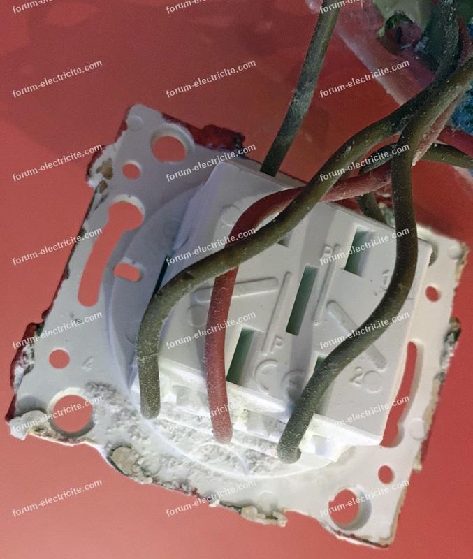 branchement interrupteur connecté