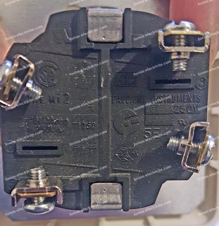 branchements interrupteur minuterie Wallair