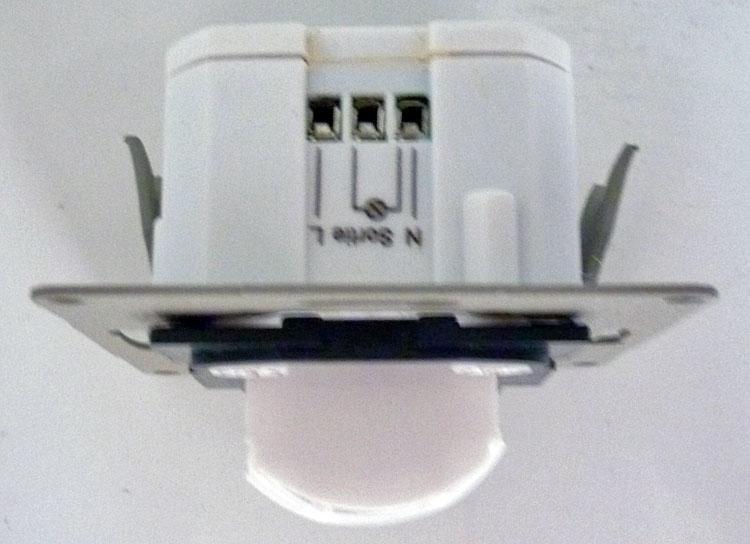 Brancher interrupteur détecteur mouvement