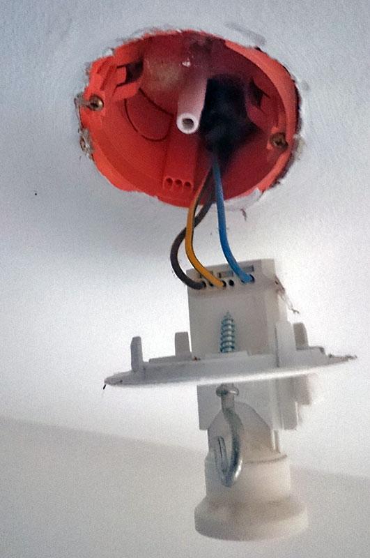 brancher interrupteur mural detecteur de mouvement 01