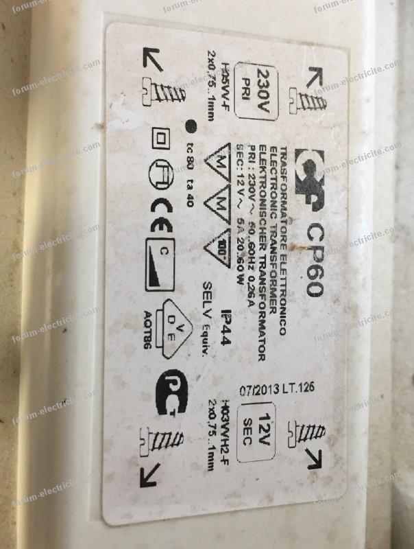 problème branchement lampe sur meuble SDB