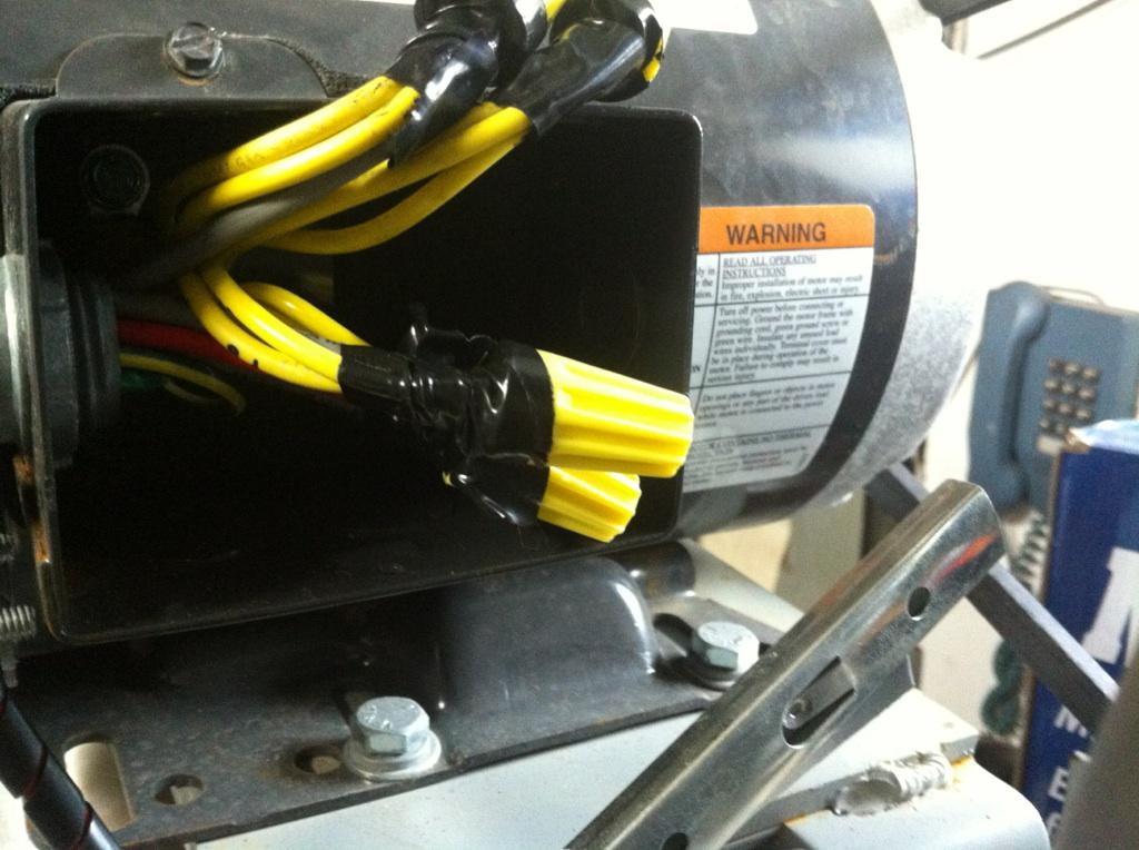 Branchement moteur triphas 4 fils valeur des condensateurs plaque signal tique conseils - Machine a laver sans electricite ...