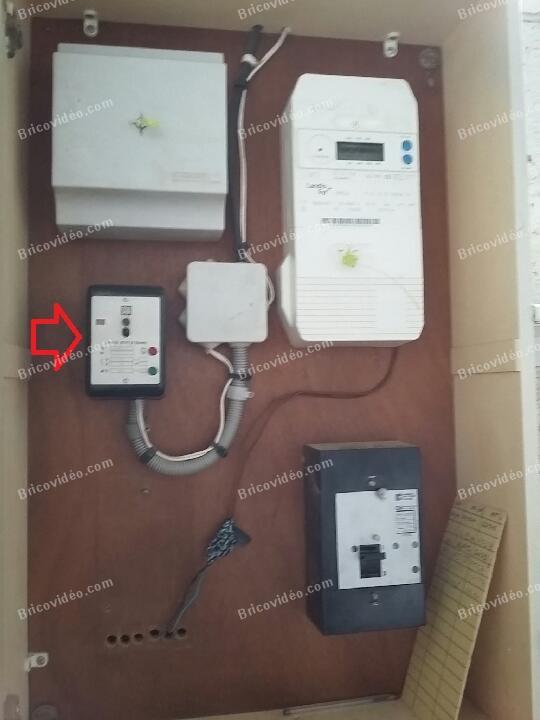 brancher relais EJP Hager EJ061