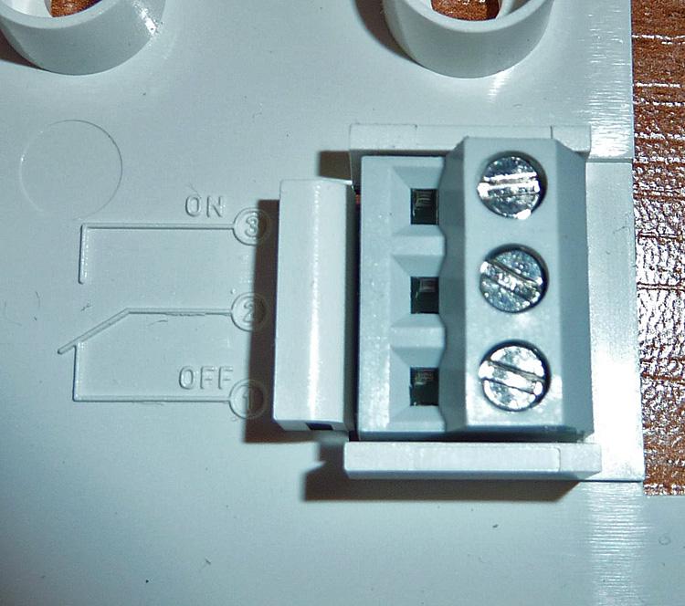 Brancher un thermostat d 39 ambiance tamses 811 top question forum lectri - Comment fonctionne un thermostat d ambiance ...