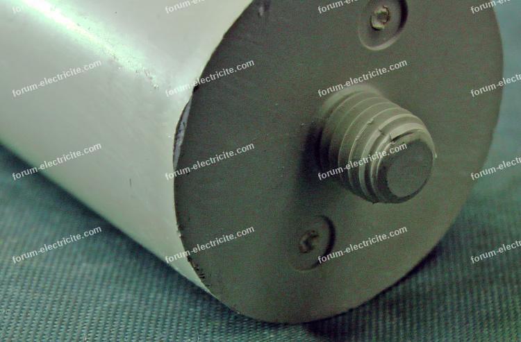 condensateur réglette ferromagnétique