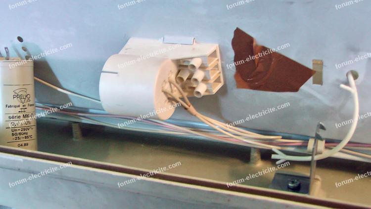 fonctionnement réglette étanche ferromagnétique