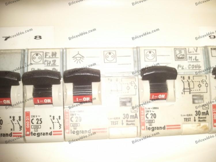 Câblage disjoncteur 078 64 Legrand