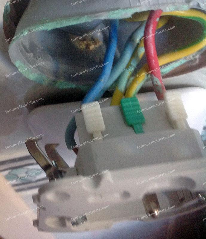 câblage double interrupteur à partir d'une prise