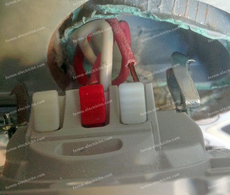 câblage double va et vient à partir d'une prise électrique
