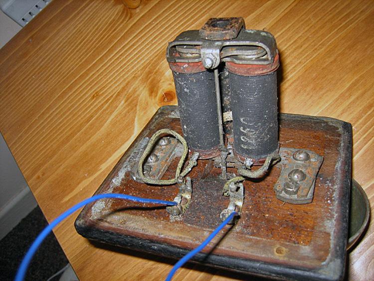 branchement d 39 un vieux carillon de porte question lectricit bricolage sch mas lectriques. Black Bedroom Furniture Sets. Home Design Ideas
