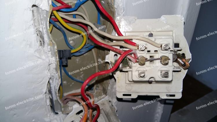 changer ancien interrupteur bricovideo