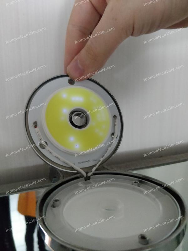 changer spots LED meuble salle de bains