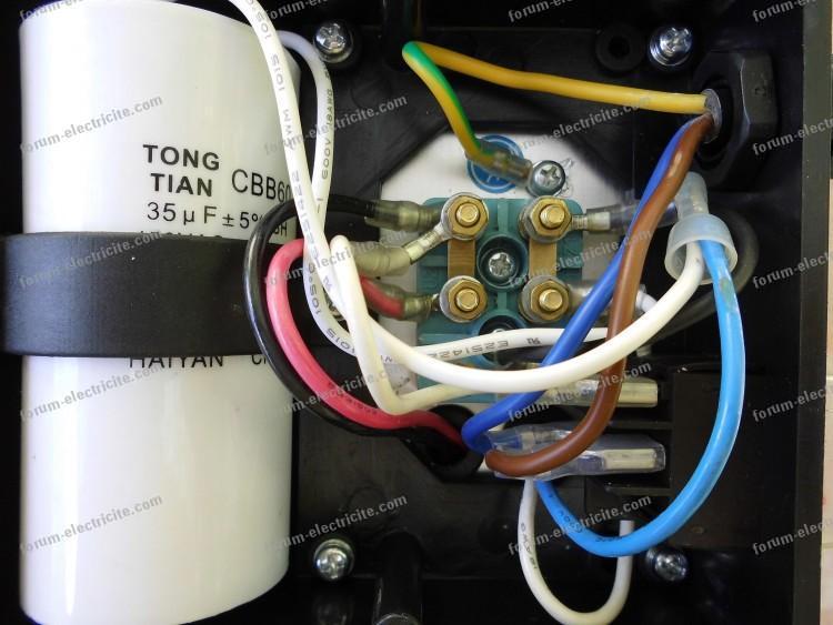 brancher condensateur compresseur