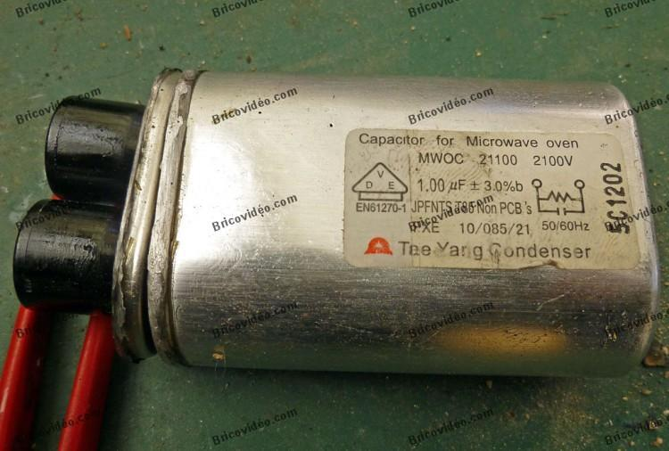 condensateur avant extraction du contenu