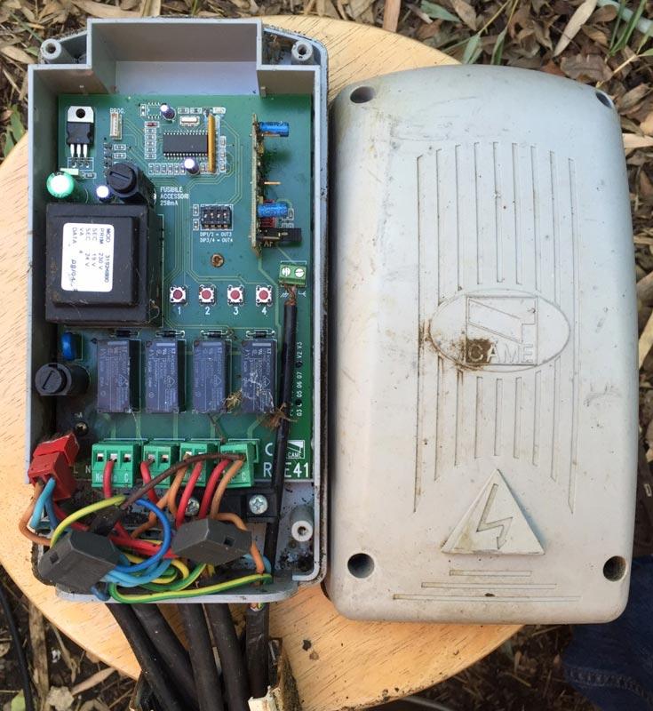 Connecter un éclairage de jardin à écepteur radio Came