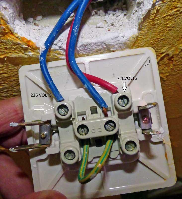 poblème interrupteur éteint fait tout sauter