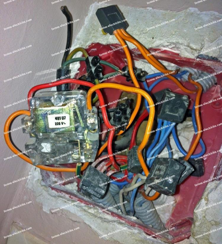 problème câblage telerupteur legrand 49107