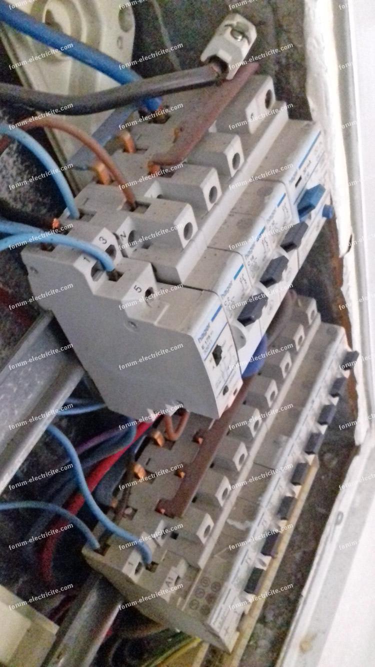 Forum lectricit bricovid o probl me changement fusible sur un disjoncteur - Comment changer un fusible sur un tableau electrique ...