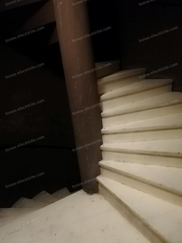 plafonnier escalier