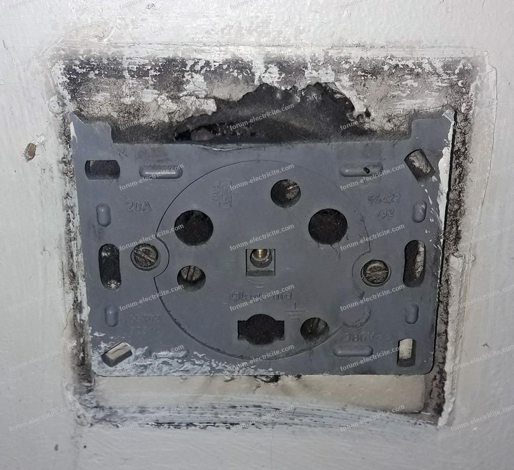 prise électrique murale 20A Legrand