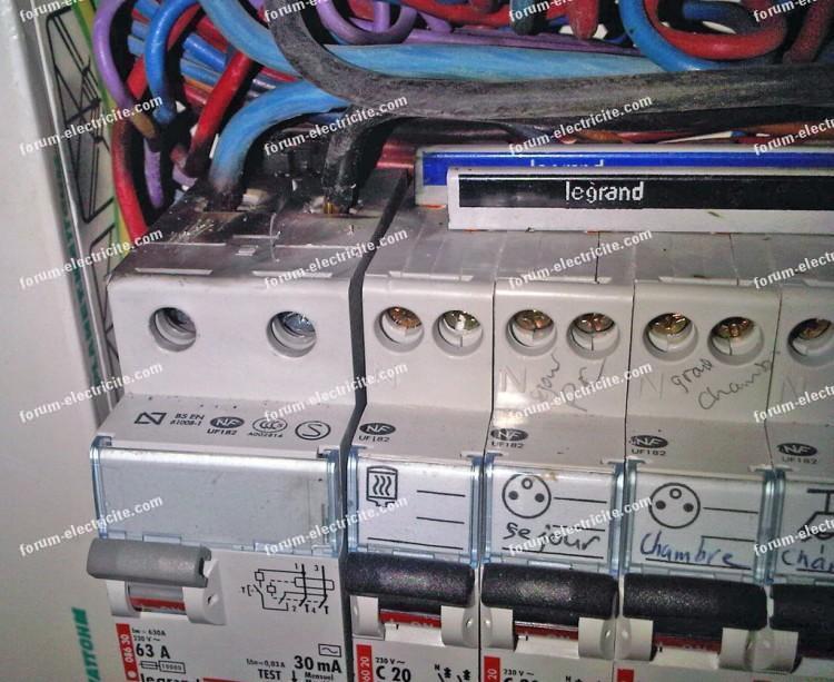 Probl me installation lectrique disjoncteur ne fonctionne plus mais ne saute pas - Probleme electrique disjoncteur qui saute ...