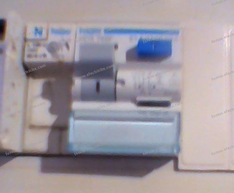 conseils lectricit probl me tableau lectrique maison ancienne disjoncteur diff rentiel. Black Bedroom Furniture Sets. Home Design Ideas