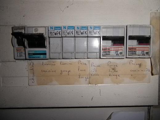 forum lectricit quelle puissance pour un interrupteur de 30 ml a. Black Bedroom Furniture Sets. Home Design Ideas