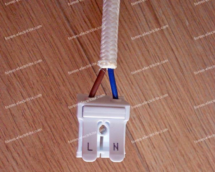 problème raccordement luminaire 2 fils bleus