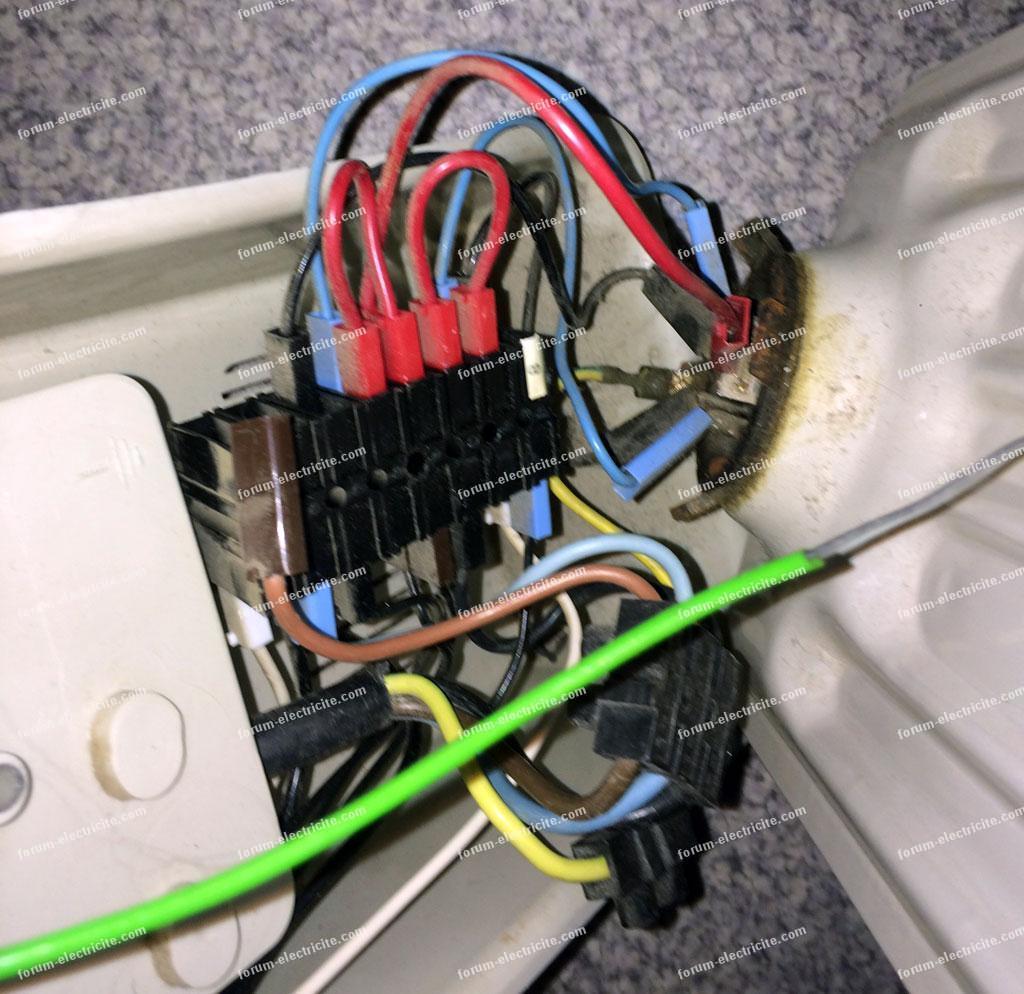 forum lectricit branchement lectrique brancher radiateur triphas le passer en 230 monophas. Black Bedroom Furniture Sets. Home Design Ideas