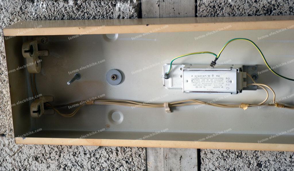 forum d pannage lectricit conseils branchement pour remplacer des tubes fluo par tubes led. Black Bedroom Furniture Sets. Home Design Ideas