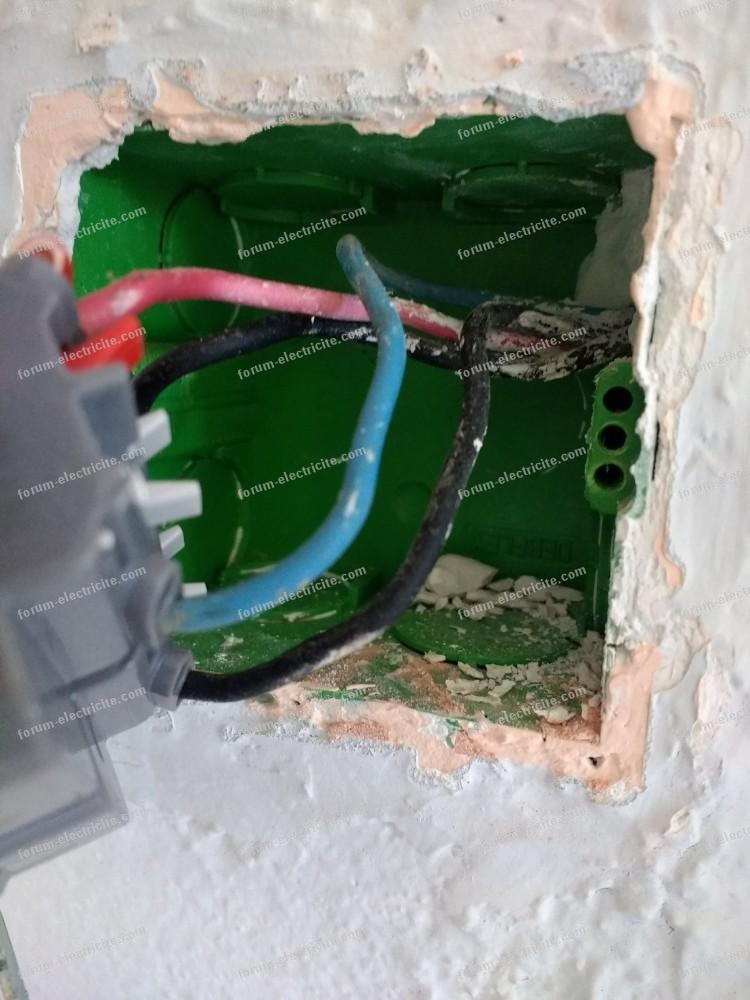 remplacer interrupteur par prise de courant Bricovidéo