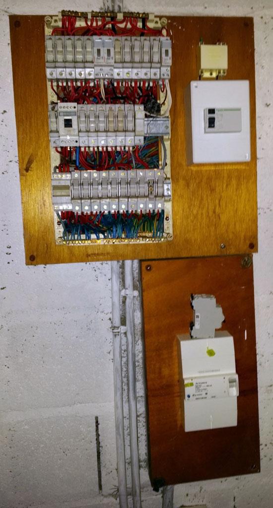 Remplacer tableau électrique triphasé