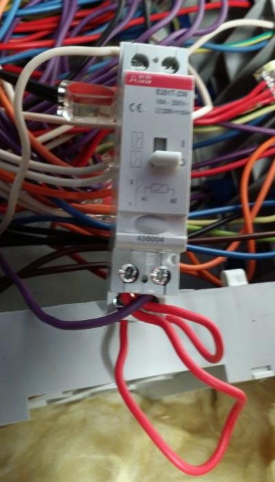 Question Electricite Remplacement Telerupteur Legrand 49119 Par Abb E251t 230