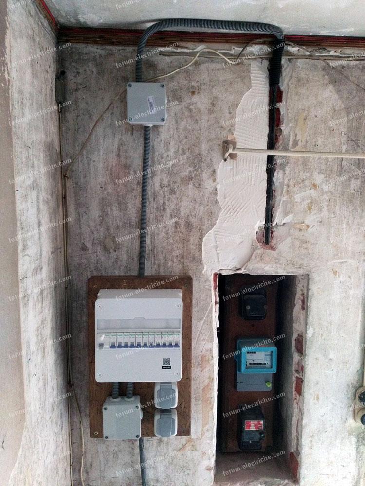 tableau électrique est installé