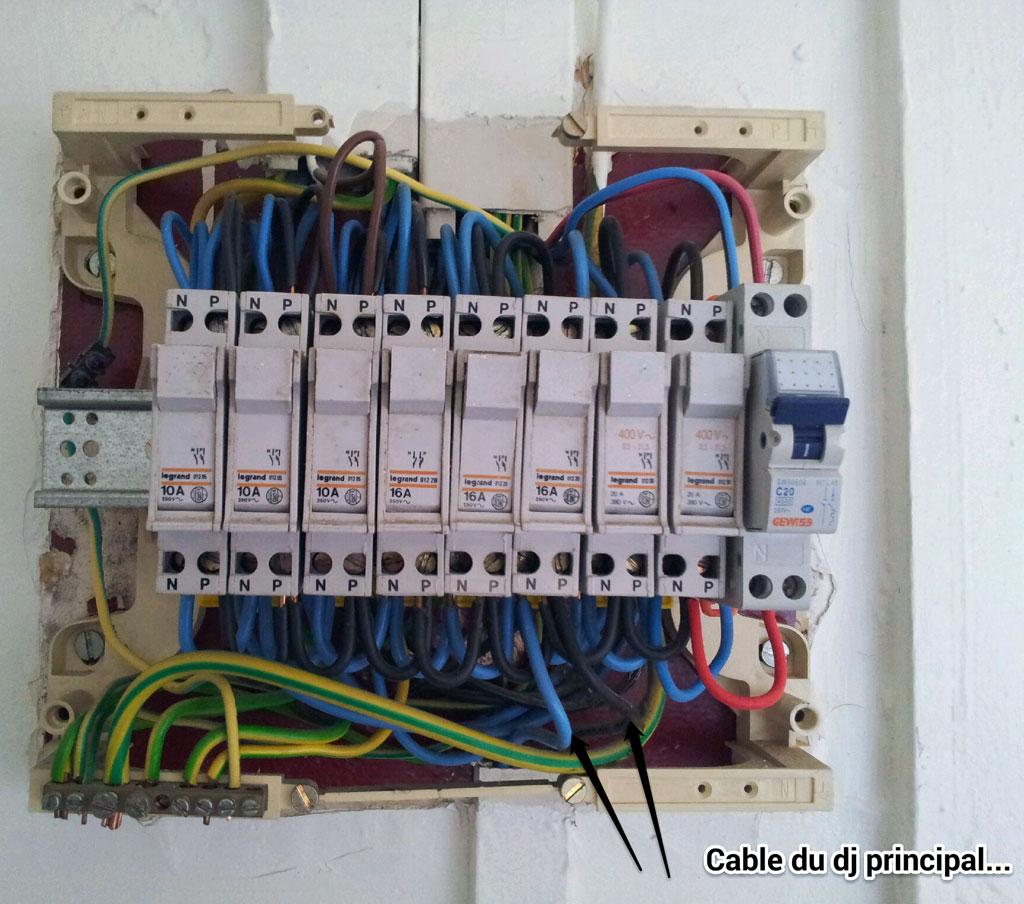Conseils installation disjoncteur 32a sur mon ancien tableau lectrique que - Comment installer un disjoncteur differentiel ...